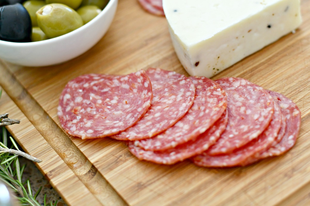 best easy charcuterie board – cheese, meat, and olives