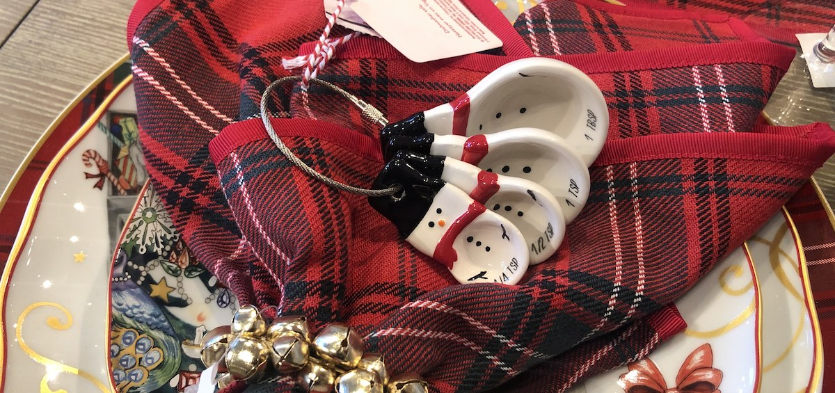 ultimate gift guide ideas under 25 — williams and sonoma measuring spoons