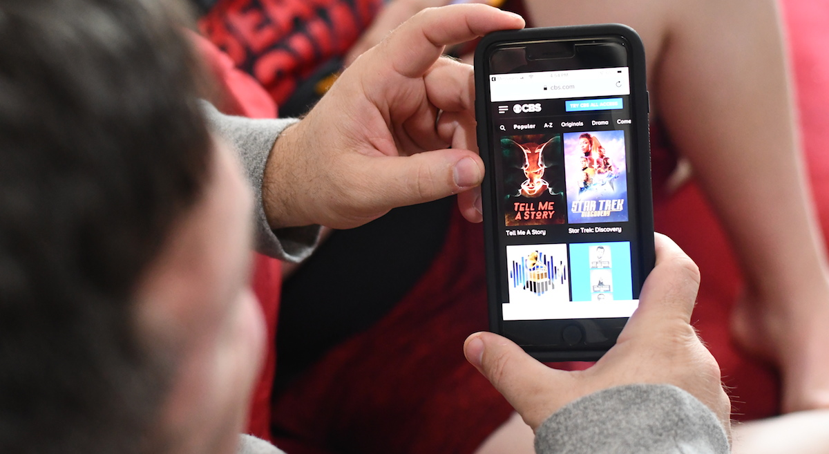 watch tv, movies, and sports for cheap or free – mobile app streaming tv