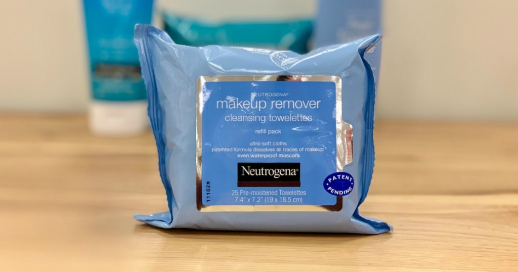 Neutrogena Makeup Remover Cleansing Towelettes on countertop
