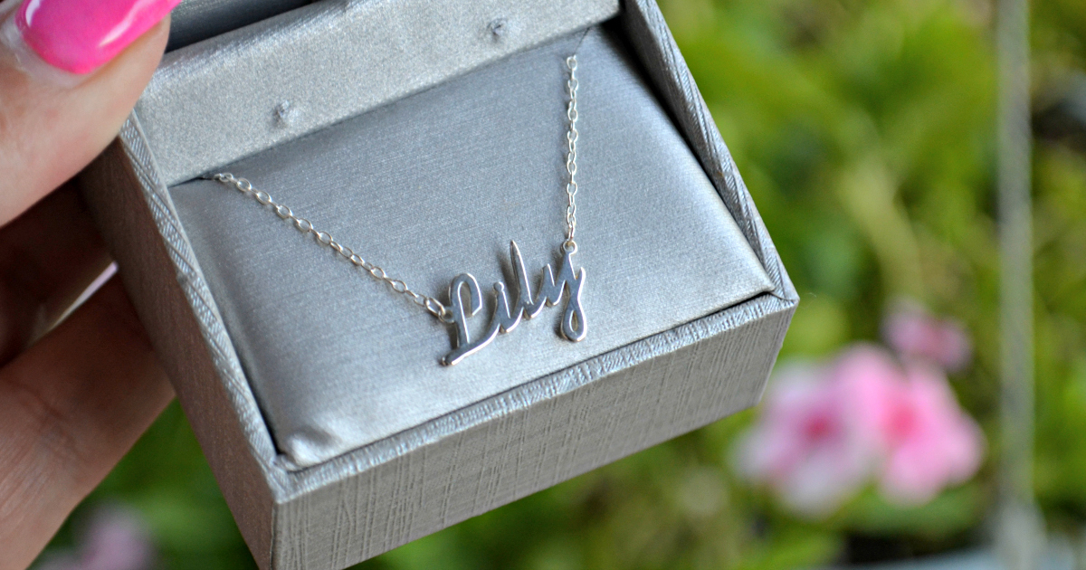 Zales Name Necklace That Reads Lily