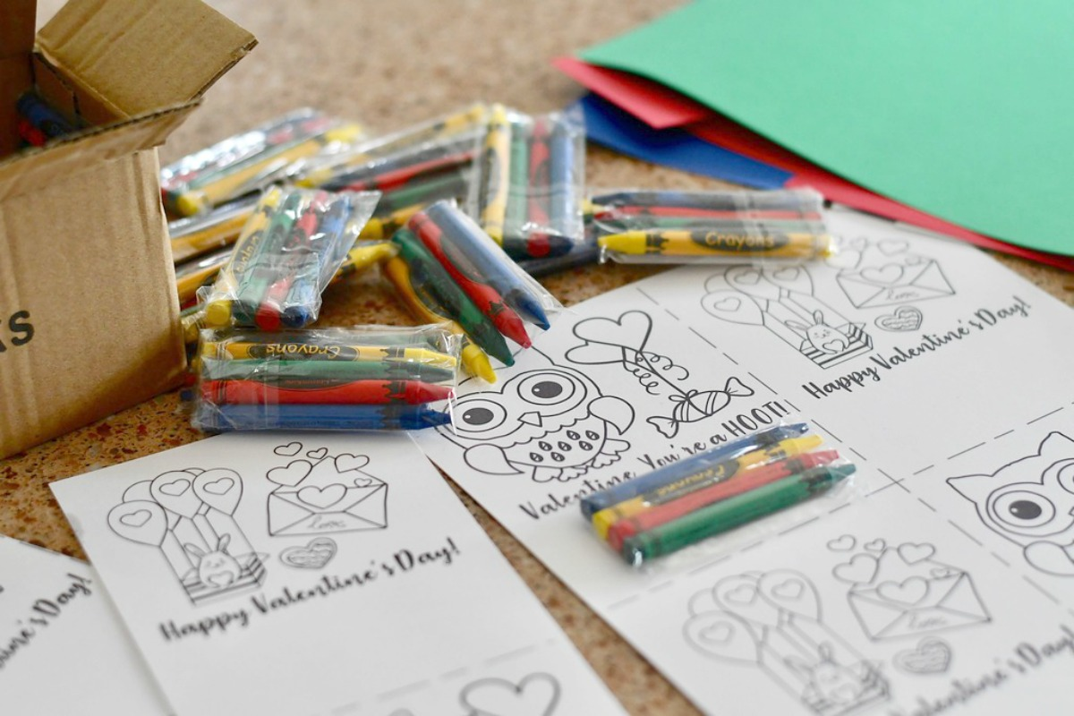 DIY Crayon Valentines (Free Printable Included) – assembling the valentines