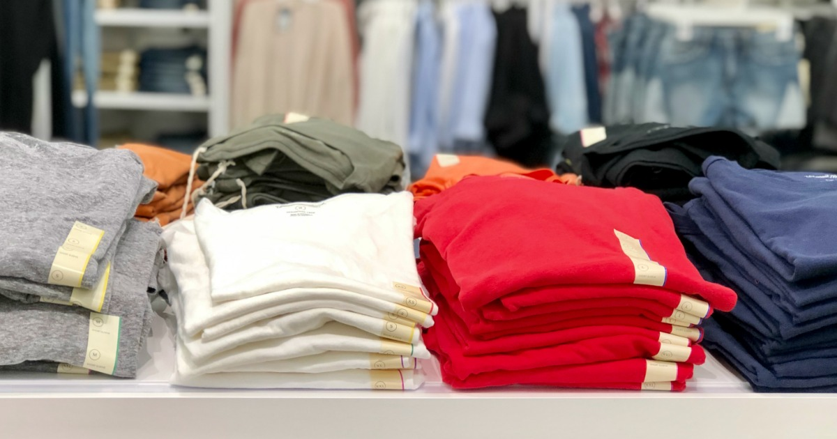 Universal Thread Women's Tees Just $5 at Target