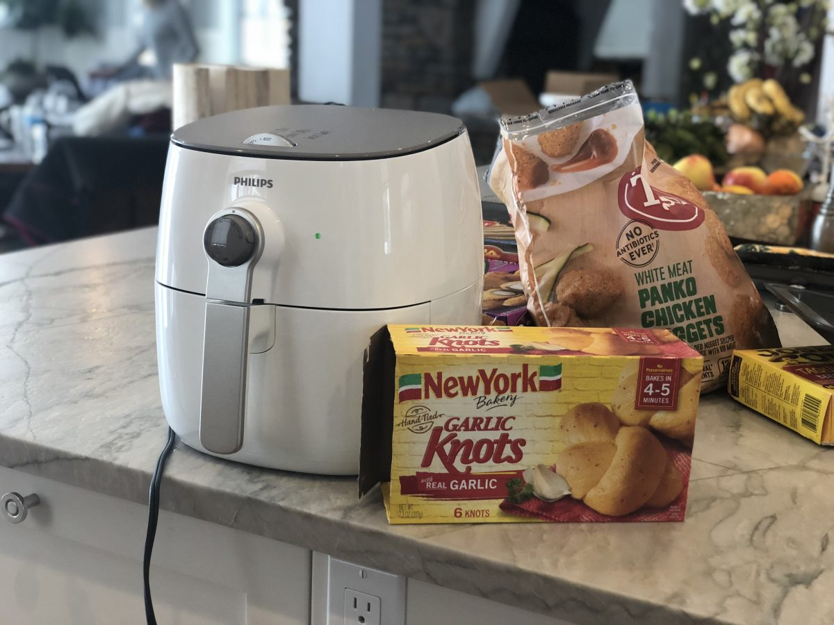 air fryer with frozen garlic knots and panko chicken nuggets