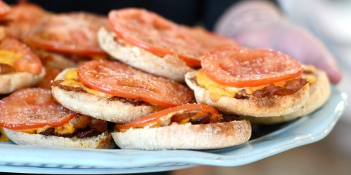 Baked Tomato and Bacon English Muffins (Easy Breakfast Idea)