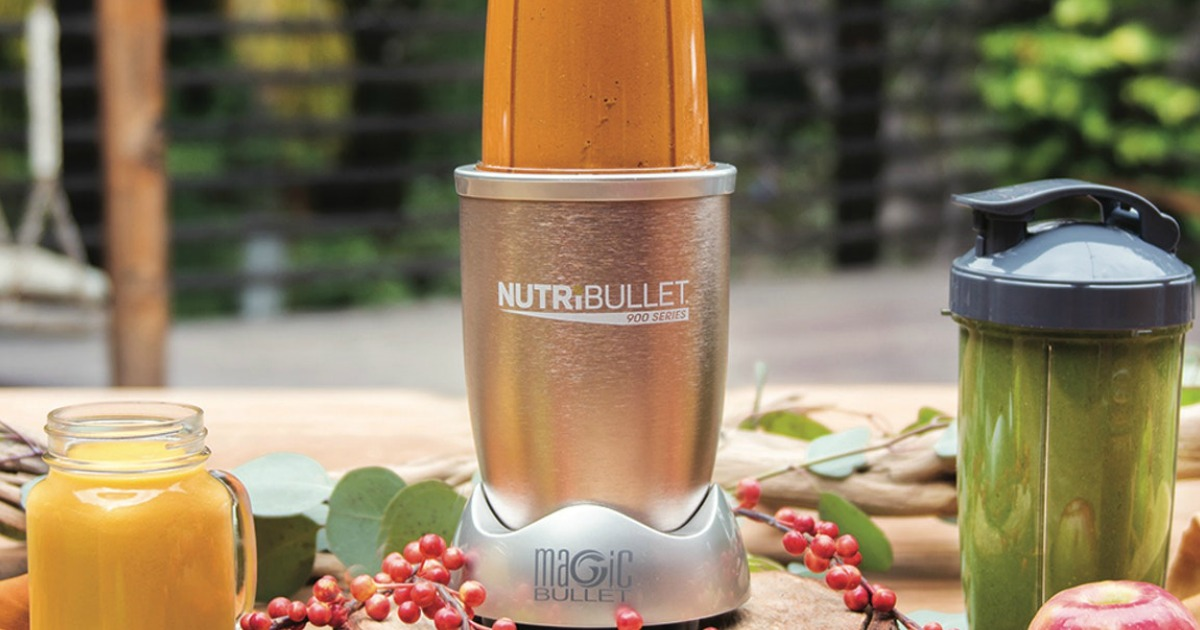 making smoothies in the nutribullet