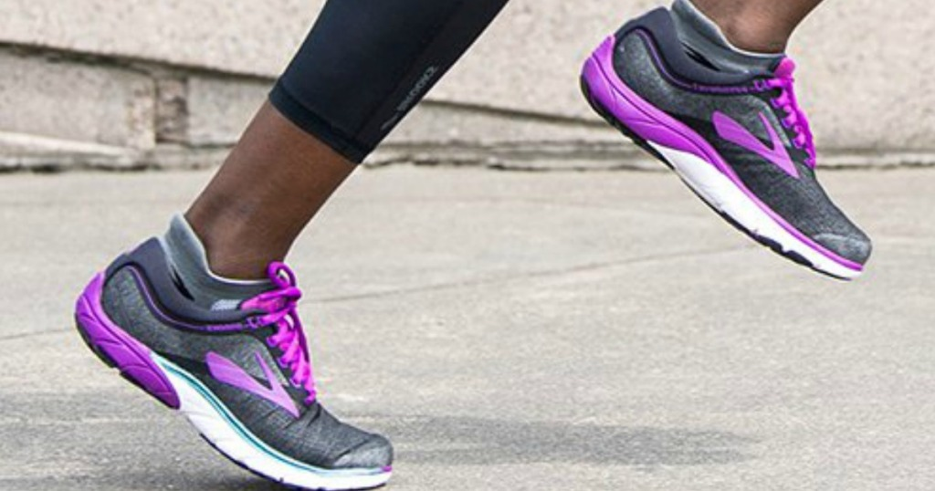 sale retailer 06e33 a3f9e Up to 40% Off Brooks Men's & Women's Running Shoes at Zulily ...