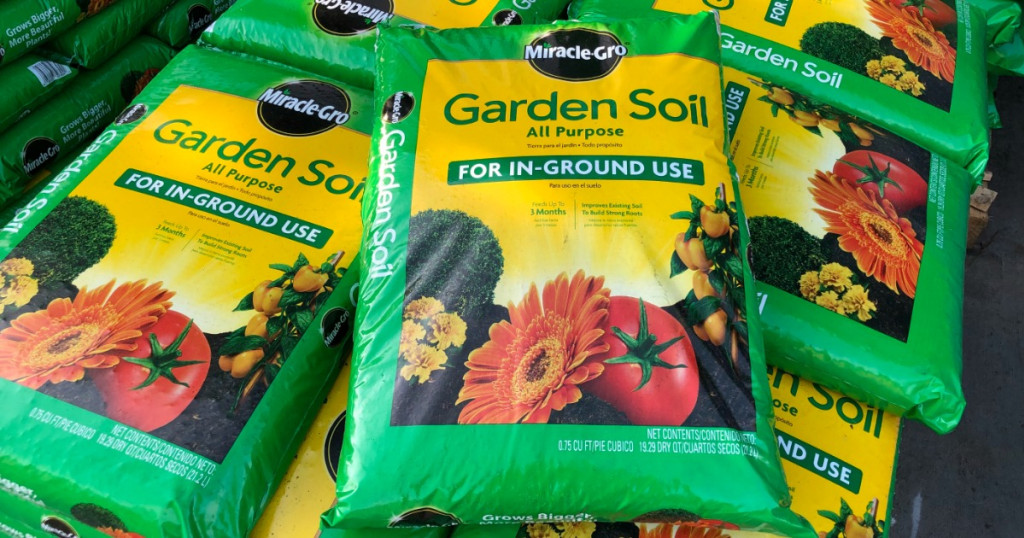 Miracle gro soil bags on pallet