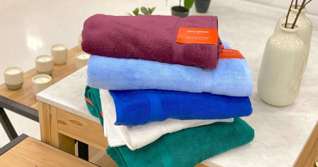 towels on shelf