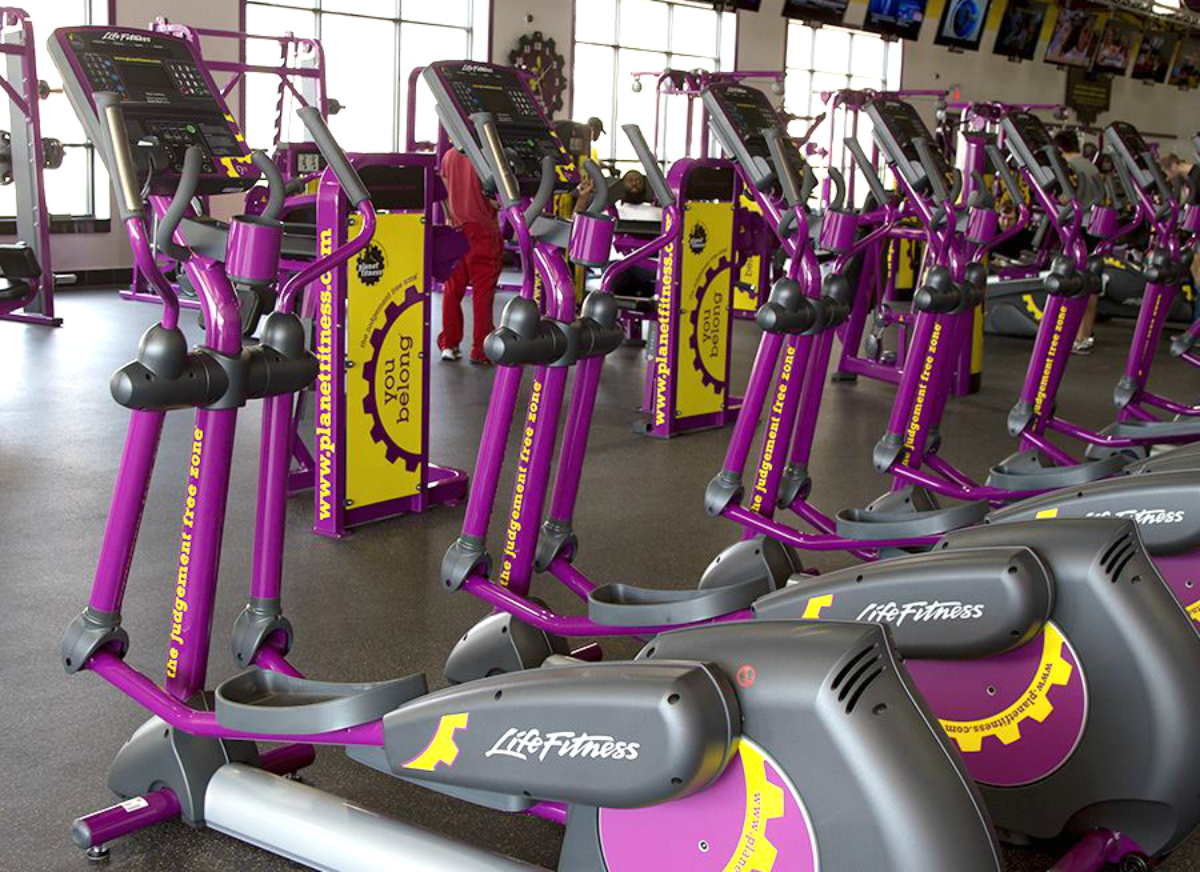 Planet Fitness exercise equipment lined up