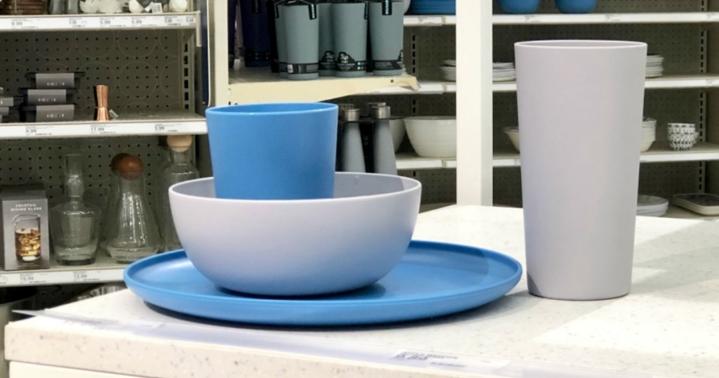 room essentials dinnerware at target