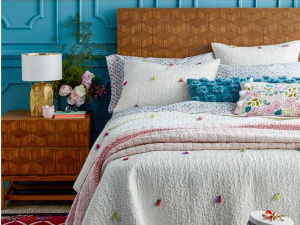 Target Bedroom Furniture | 45 Off Bedroom Furniture At Target Com Headboards