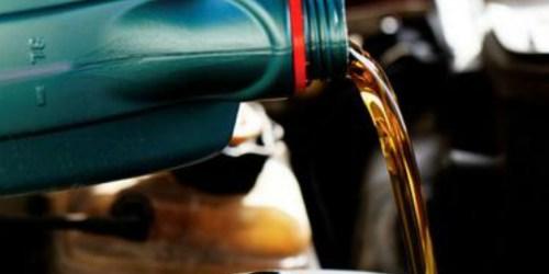 Amazon Prime | Castrol EDGE Advanced Motor Oil 5-Quart Bottle Only $16.48 Shipped