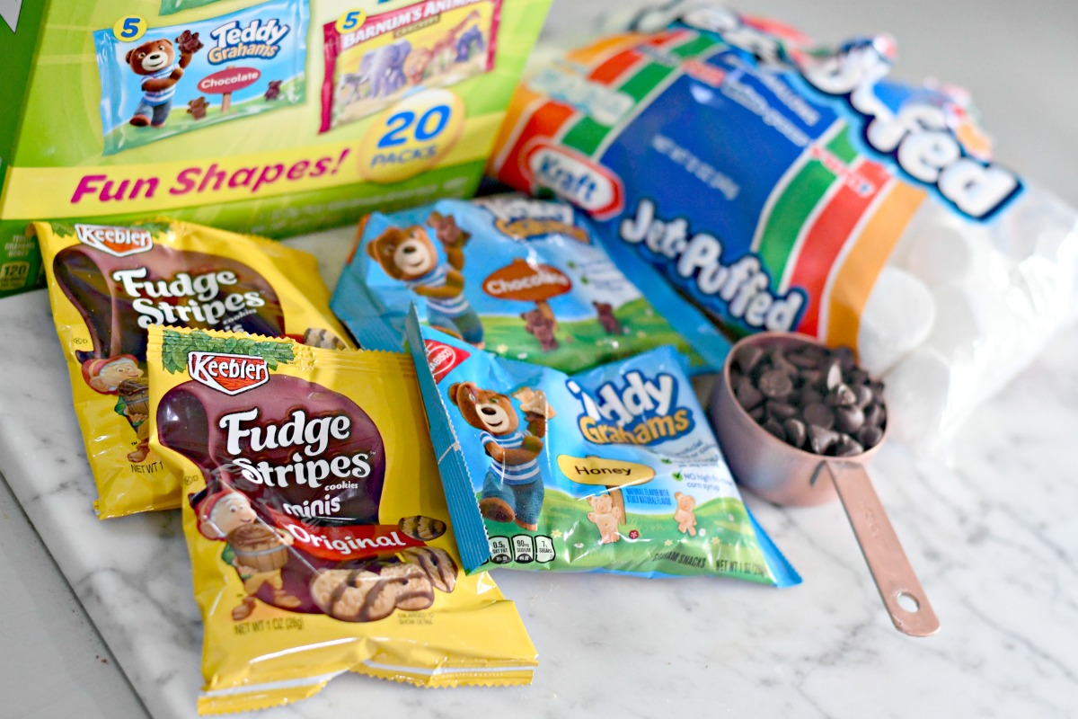 ingredients to make traveling s'mores with individual snack cookies