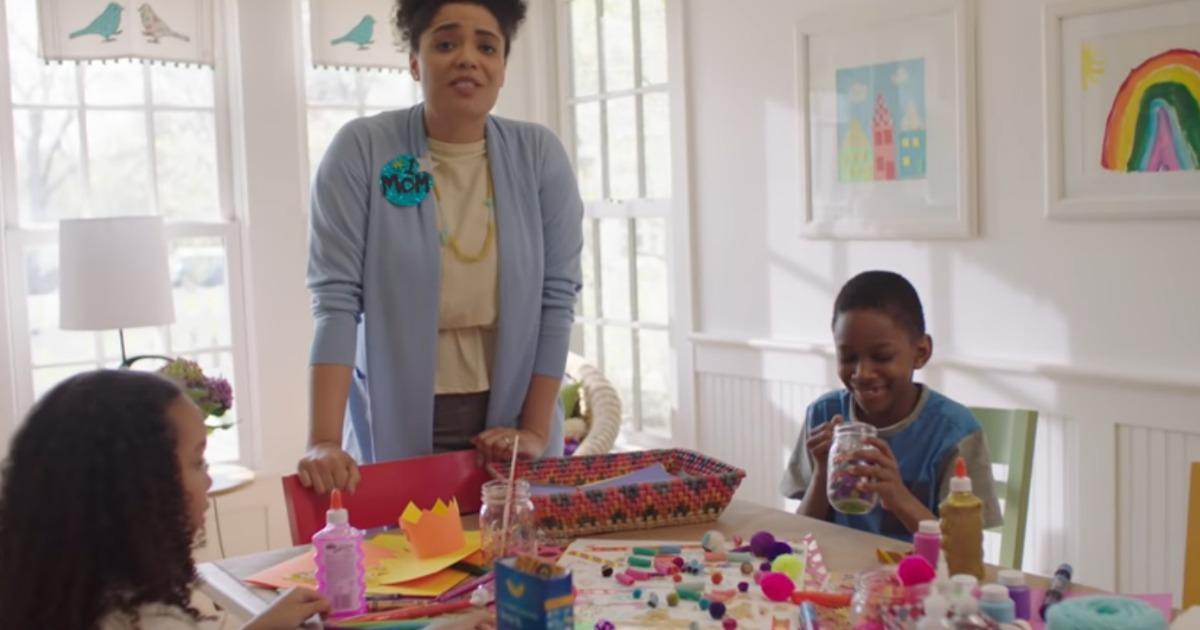 2019 Kraft Mother's Day Away Program mom with two kids