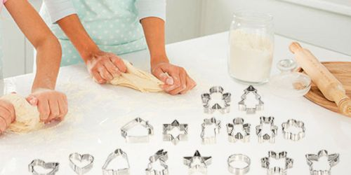 16 Stainless Steel Cookie Cutters Only 99¢ on Amazon