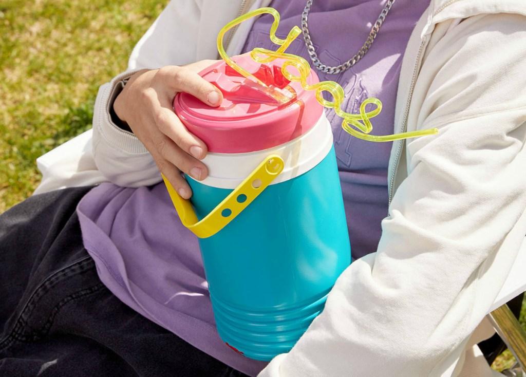 Igloo Retro Limited Edition Half Gallon Water Jug