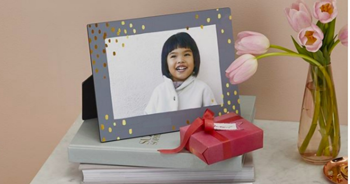 shutterfly easel back canvas displayed on end table