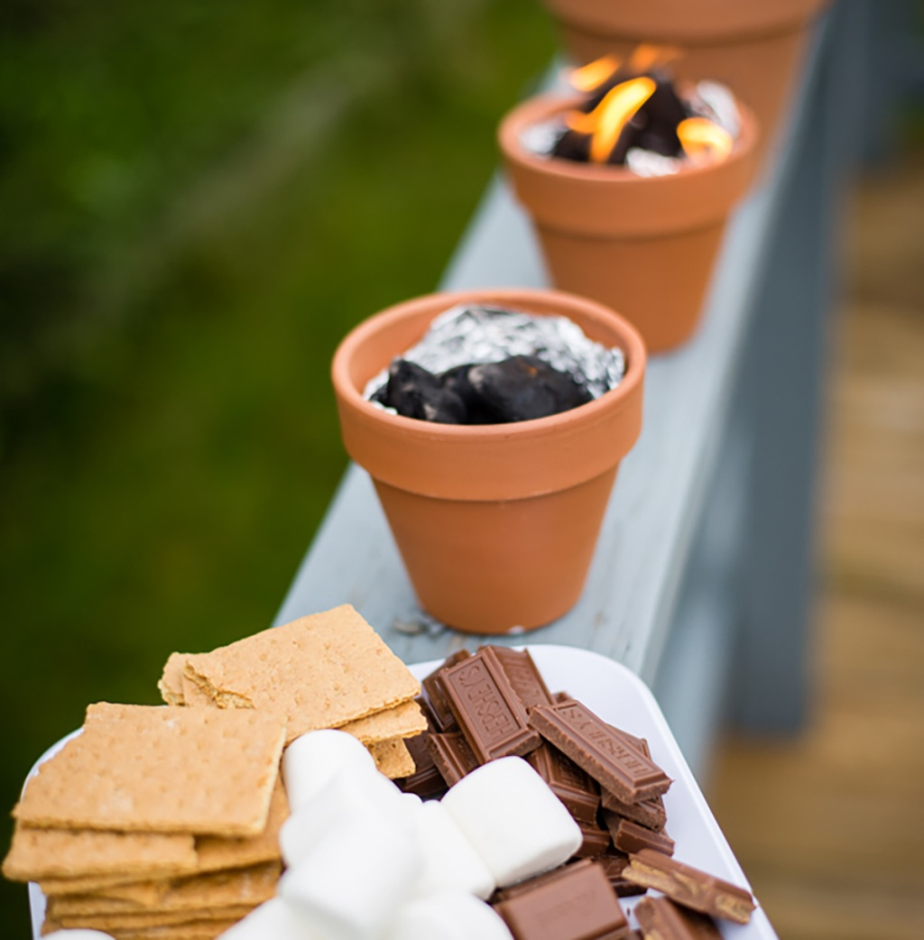 small planters with charcoal for diy mini fire pit