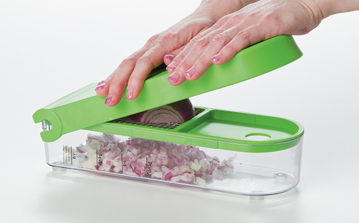 using prepworks onion chopper to dice red onion