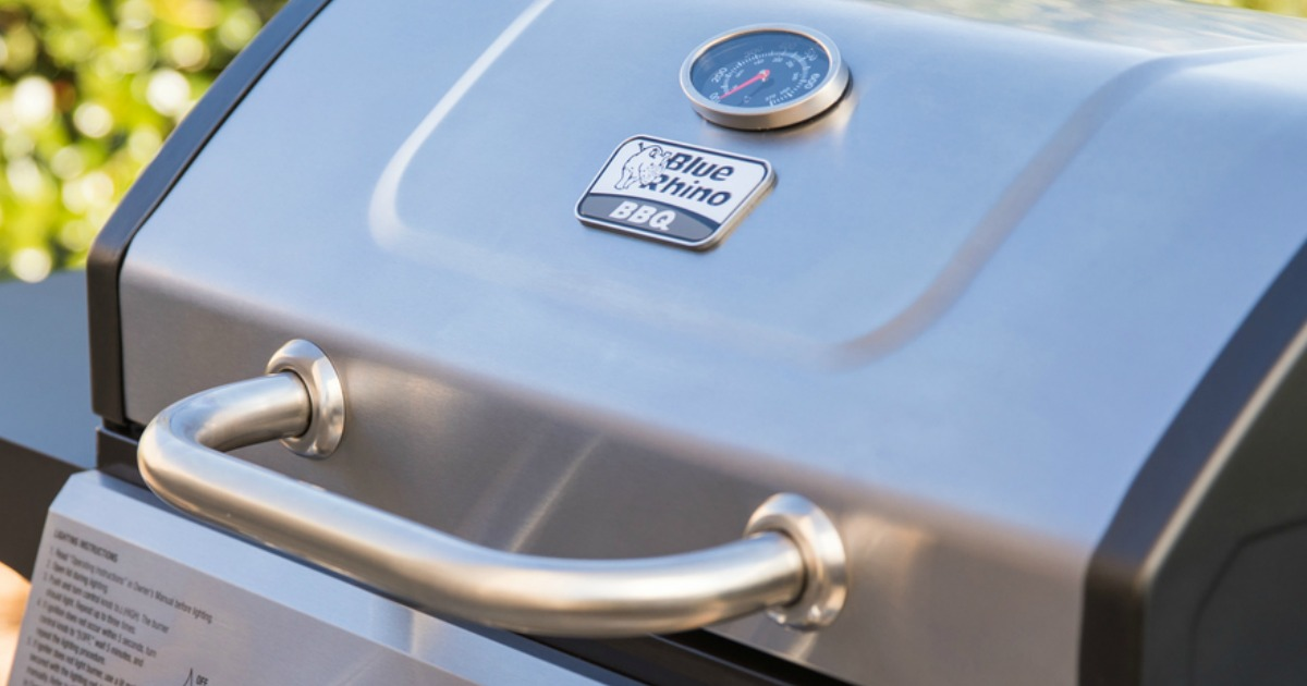 close up view of Blue Rhino grill lid