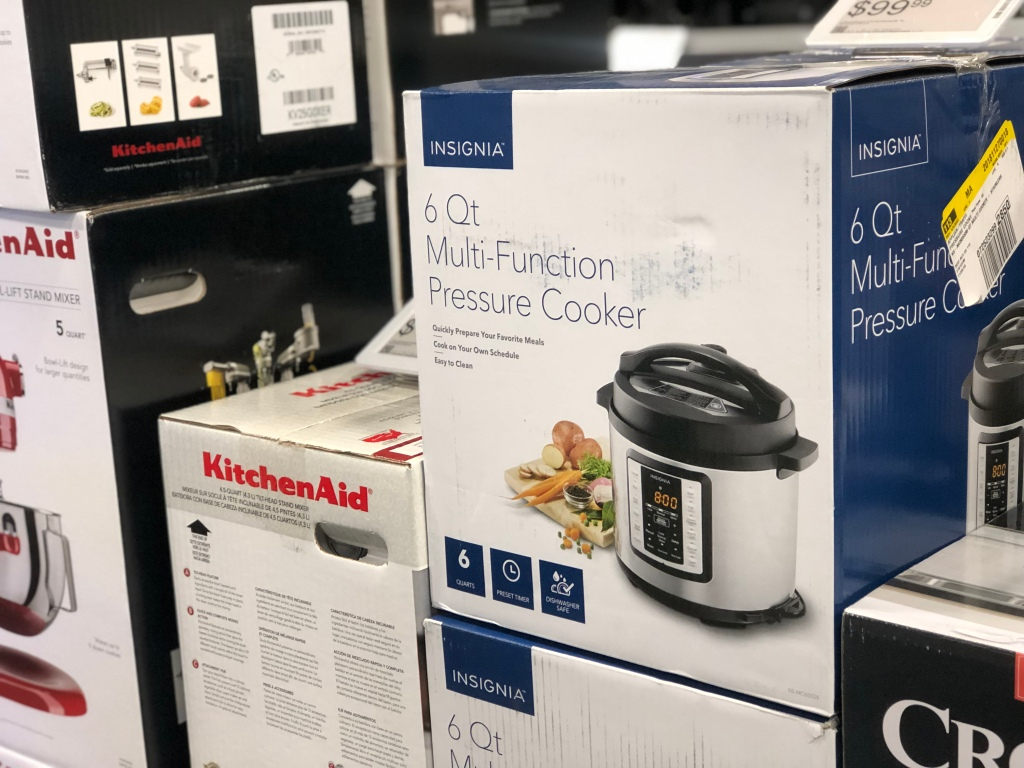Pressure Cooker in a Best Buy Store