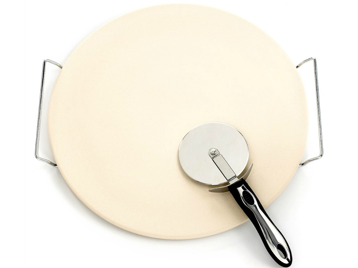 pizza stone with handles and pizza cutter