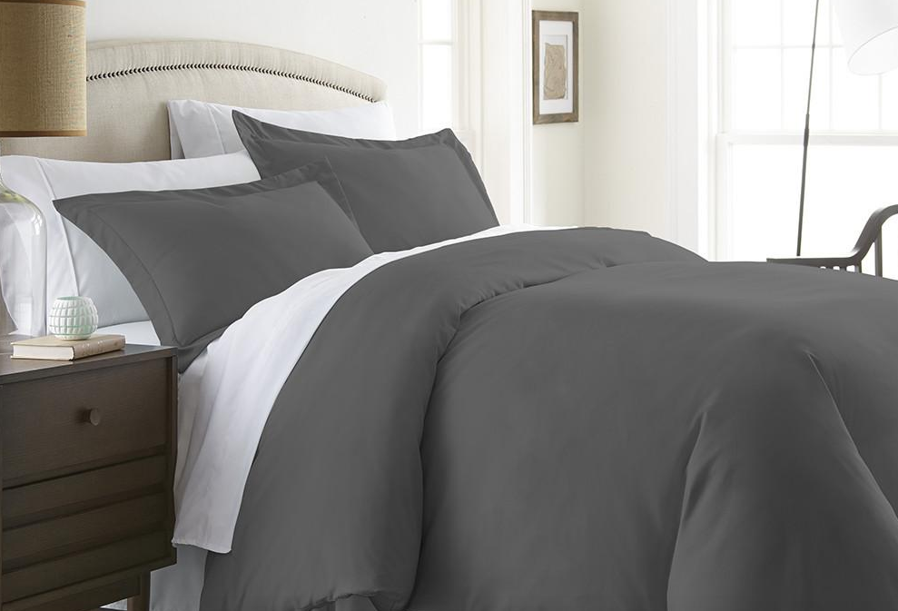 Queen bed featuring gray colored Linens & Hutch Duvet Cover Set