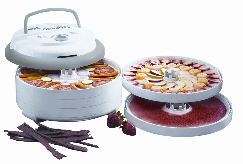 food dehydrator with food on it