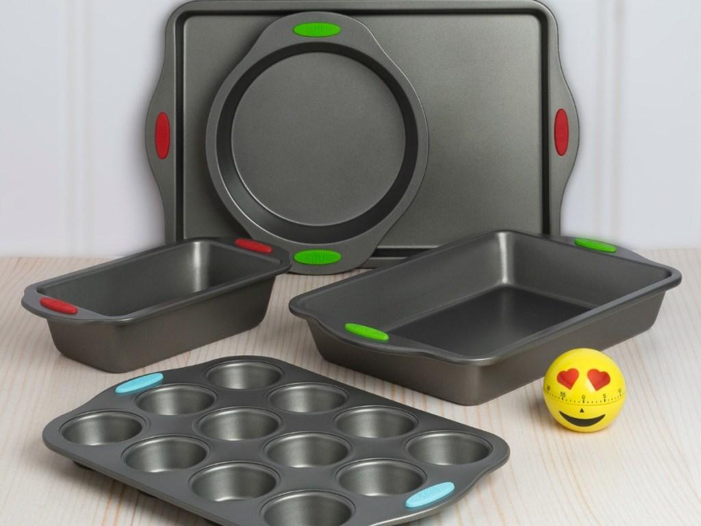 baking pan set with egg timer