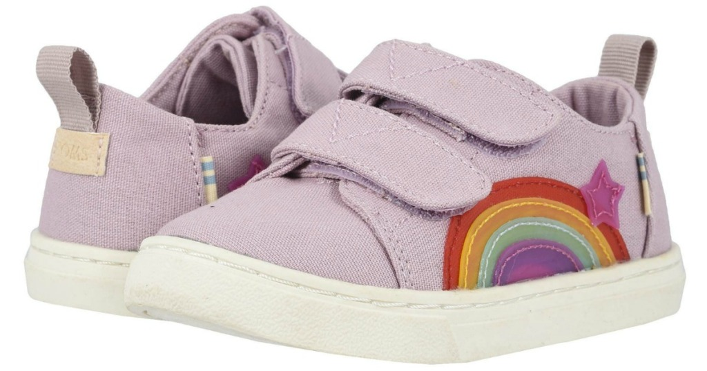 Small Tom's shoes in lilac color with rainbows on the side topped with a star