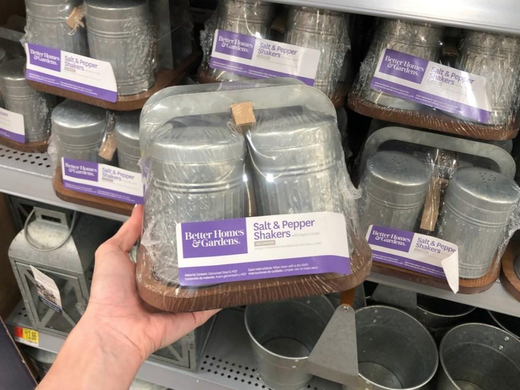better homes and gardens salt & pepper shakers
