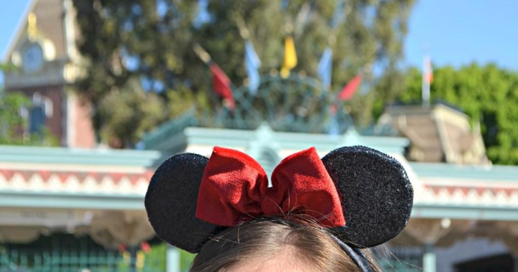 mickey mouse bow disney world