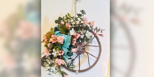 These Wreaths Are Frugal, Sustainable, and Too Darned Cute!