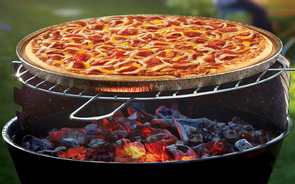 papa murphy's take and bake pizza on charcoal grill
