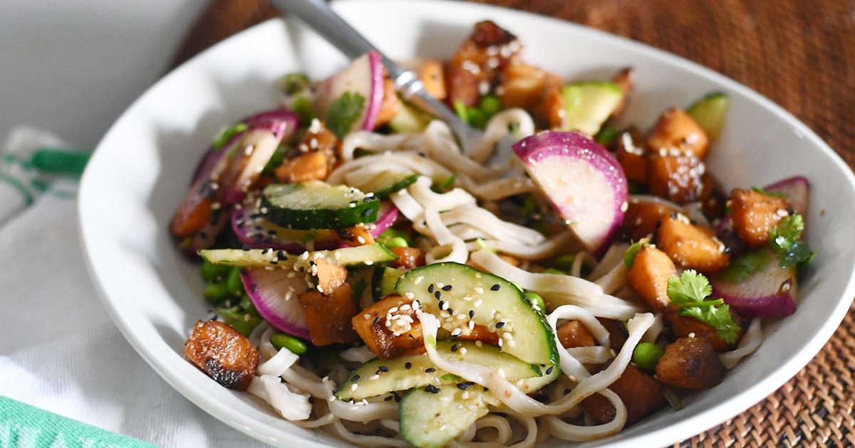 sun basket finished udon noodle meal