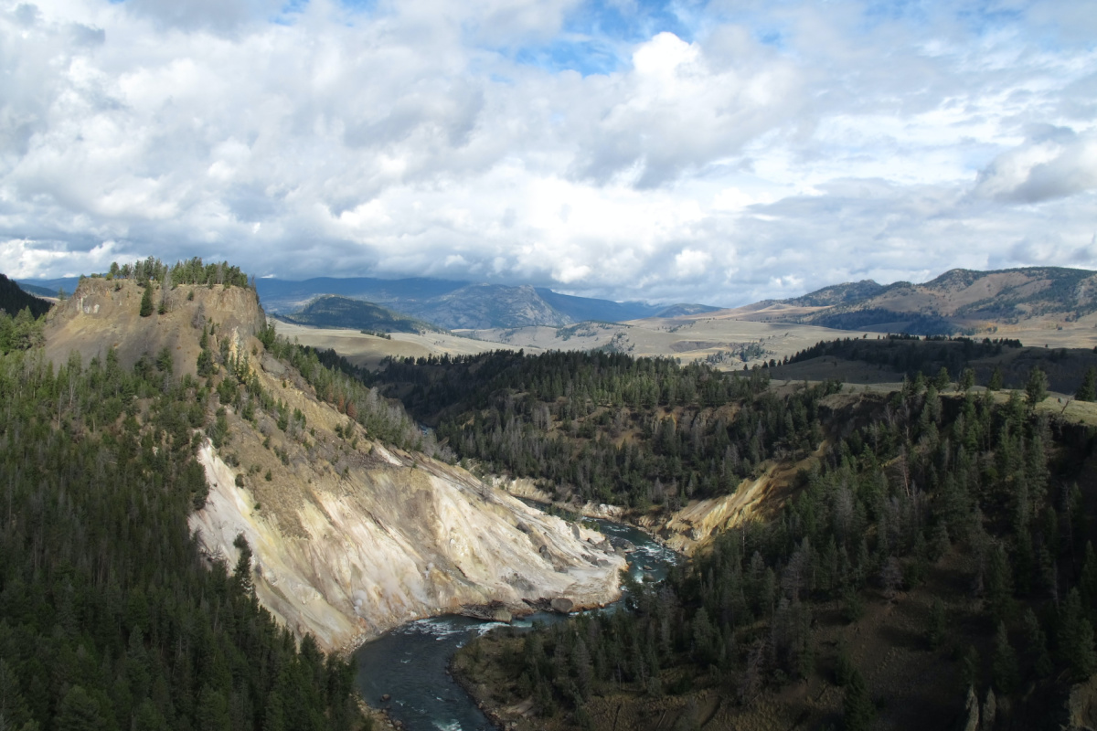 aerial view of yellowstone park canyon where you can have a cheap family vacation