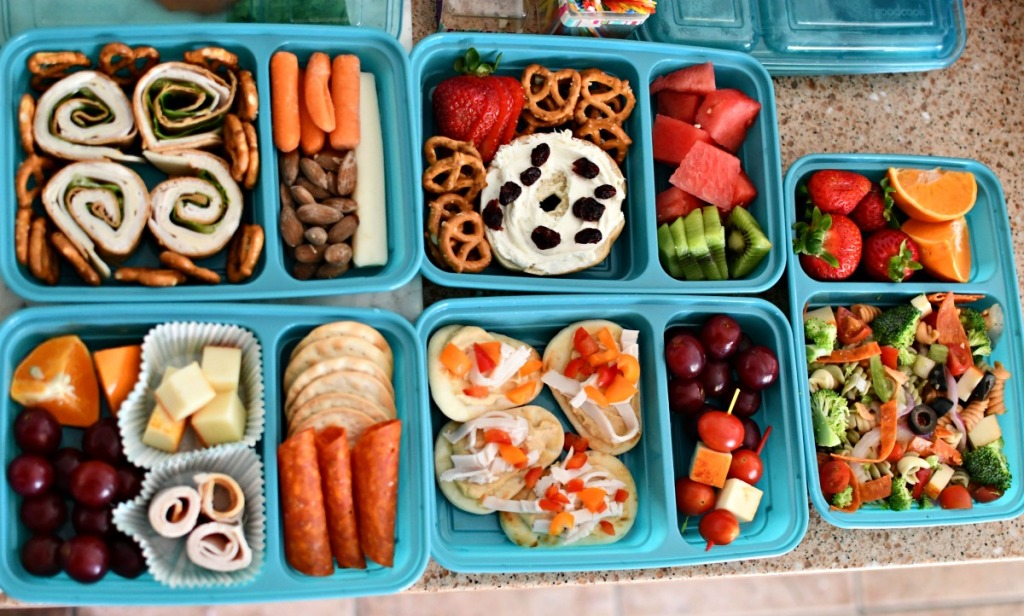 5 lunchbox meals on the counter