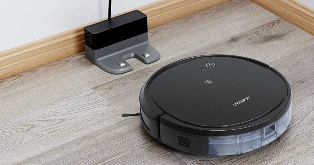 ECOVACS DEEBOT 500 Robotic Vacuum Cleaner returning to charger