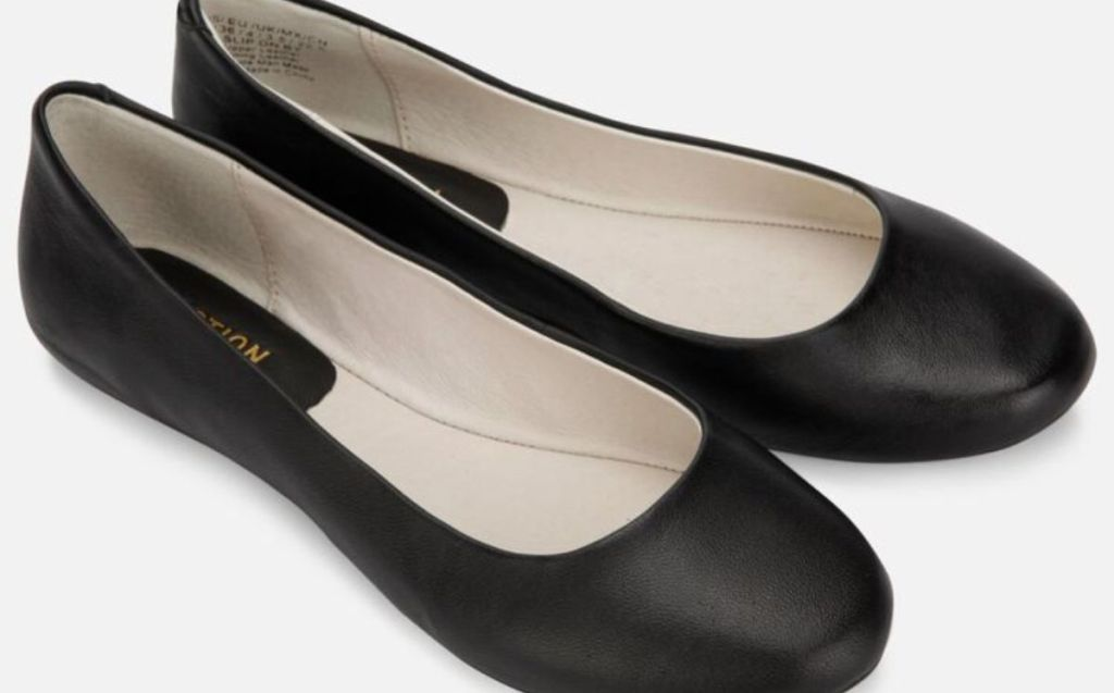 Kenneth Cole Reaction black slip on by flats