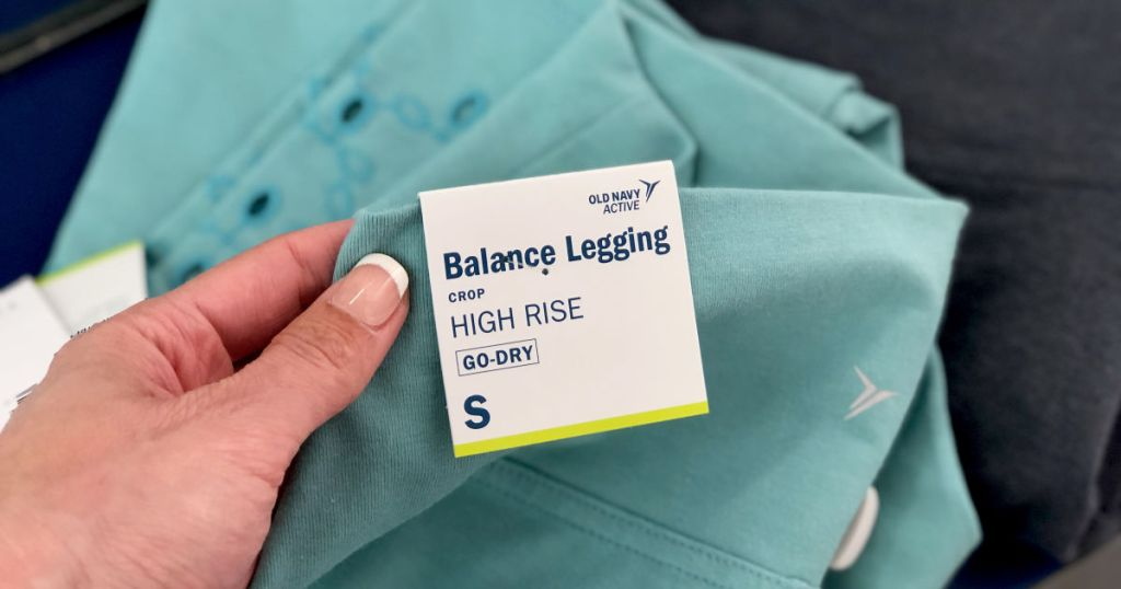 hand holding tag for Old Navy Active Balance Leggings