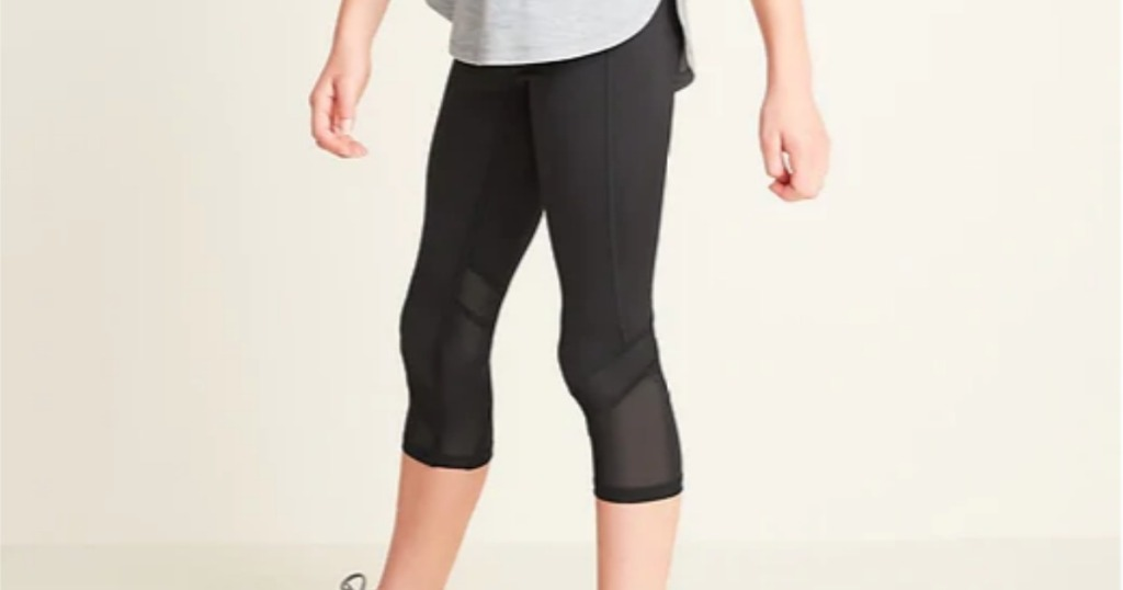 girl wearing Old Navy Girls Compression Leggings