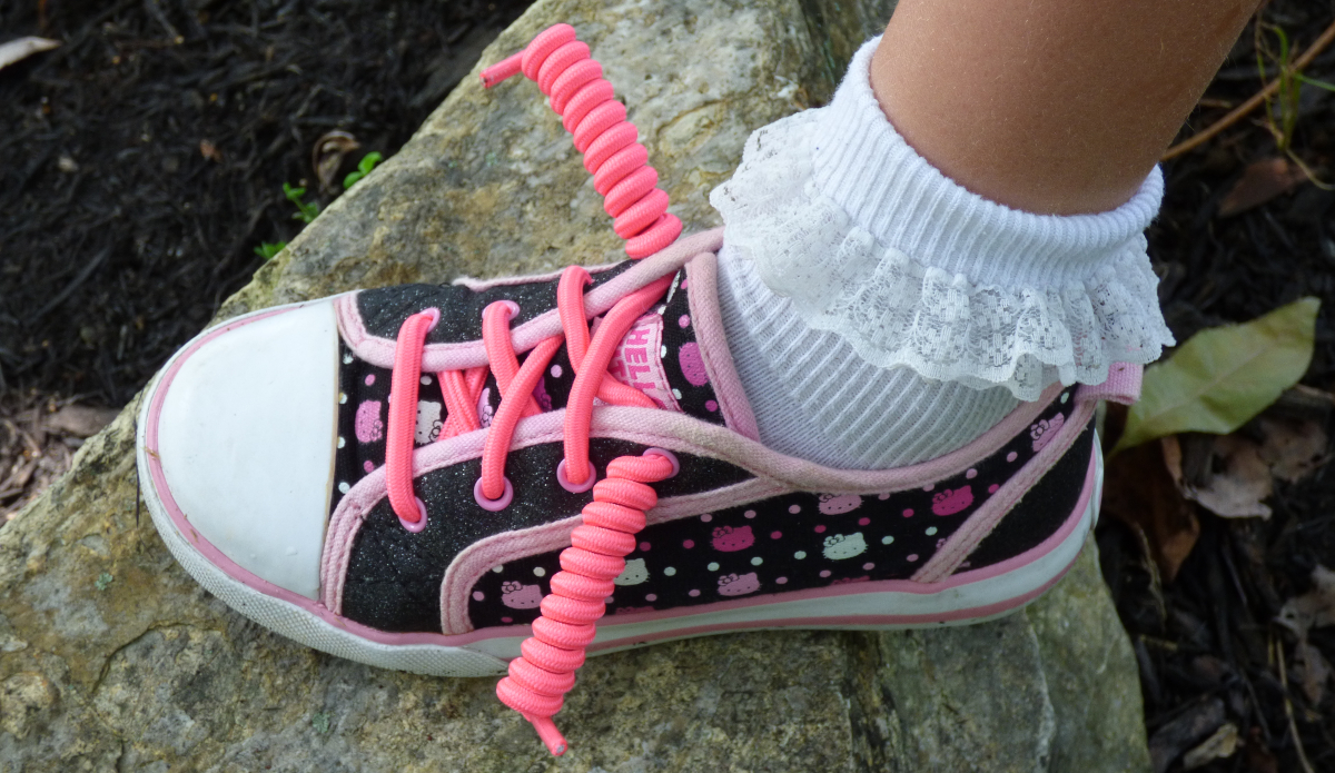 Here's How to Teach Kids to Tie Shoes