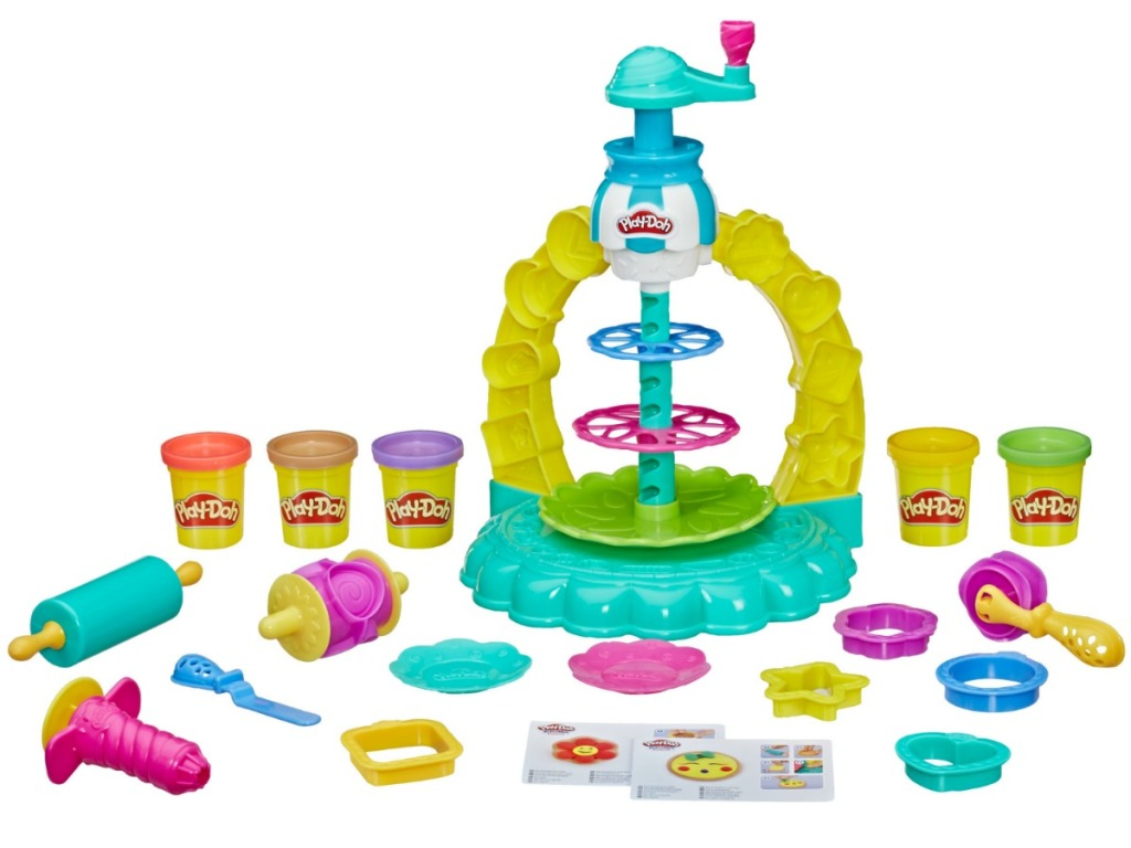 Play-Doh Kitchen Creations Sprinkle Cookie Surprise Play Set with 5 Cans of Play-Doh all pieces on a table