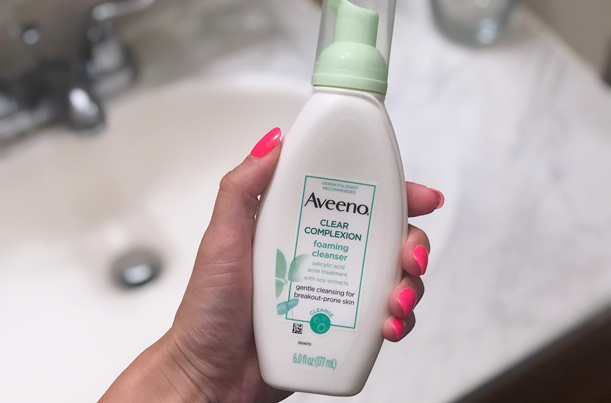 aveeno clear complexion face wash in bathroom