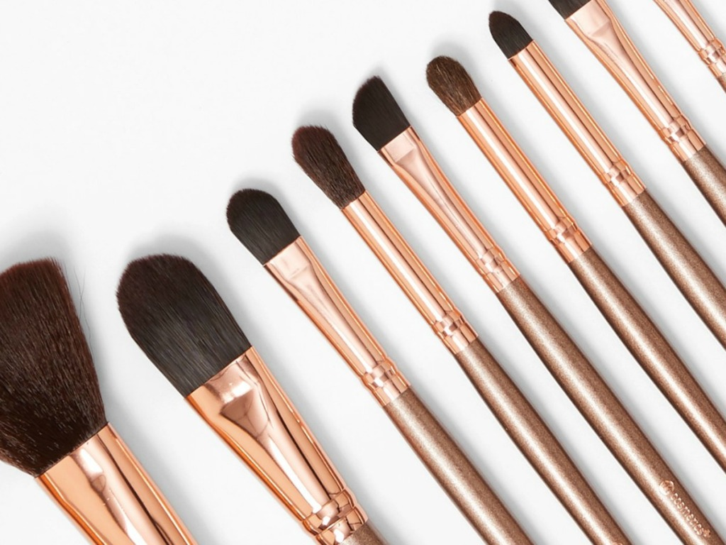 make up brushes laying down together