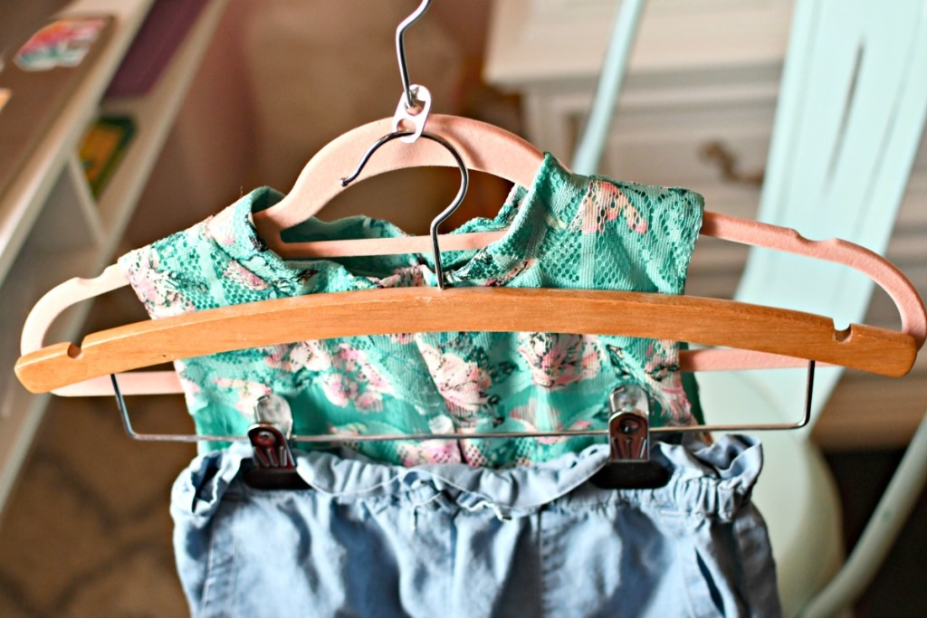 sada can tab to organize outfits for kids