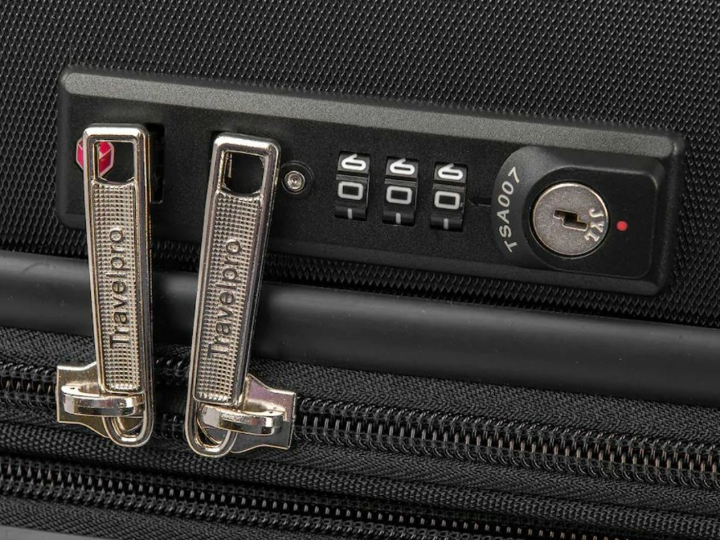 luggage close up zippers with lock