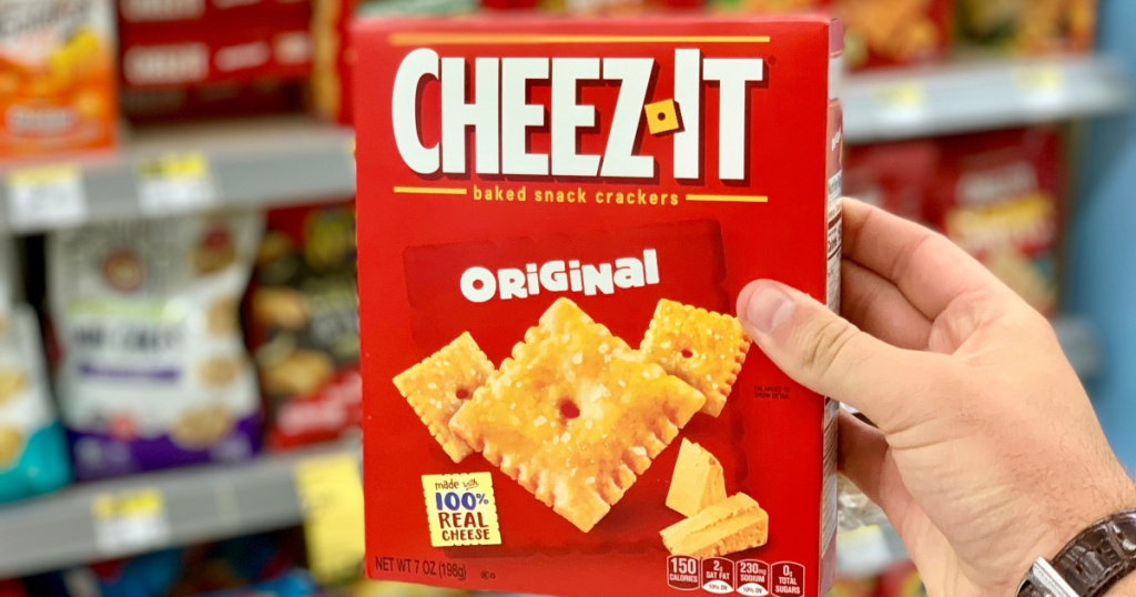 hand holding cheez-its crackers