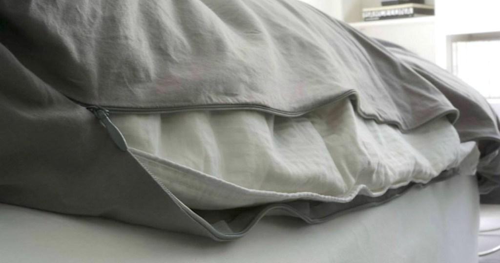 Duvation duvet cover with zipper